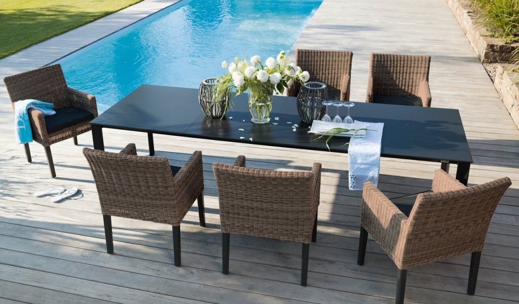 wicker_bretange-lifestyle-w-kp-table